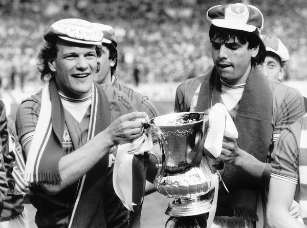Andy Gray left and Graeme Sharp of Everton May 1984 hold the FA Cup after they had beaten Watford at Wembley Copyright: Action Images / MSI