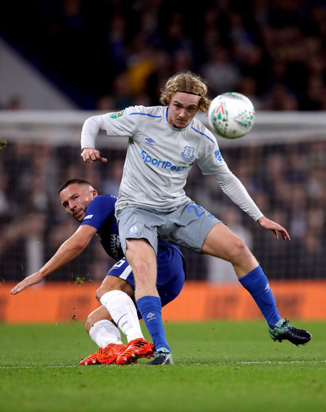 Chelsea's Danny Drinkwater (left) and Everton's Tom Davies battle for the ball