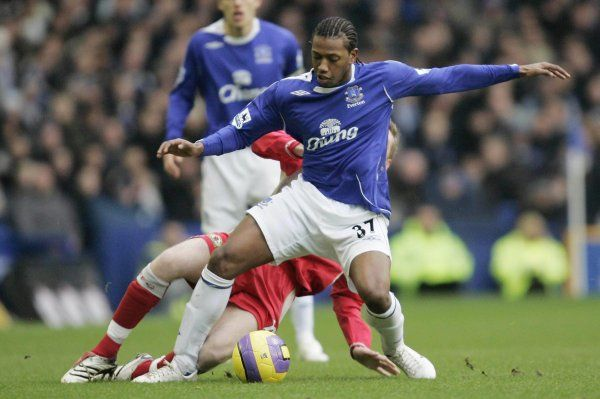 Everton v Blackburn Rovers Manuel Fernandes in action