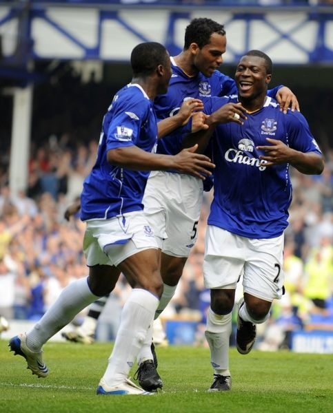 Football - Everton v Newcastle United Barclays Premier League - Goodison Park - 11/5/08 Everton's Yakubu celebrates scoring his sides first goal Mandatory Credit: Action Images / Keith Williams Livepic NO ONLINE/INTERNET USE WITHOUT A LICENCE