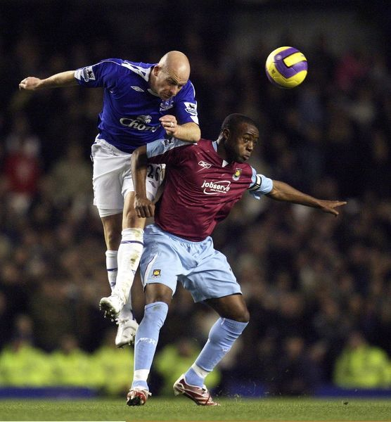 Everton v West Ham - Everton's Lee Carsley in action against Nigel Reo-Coker