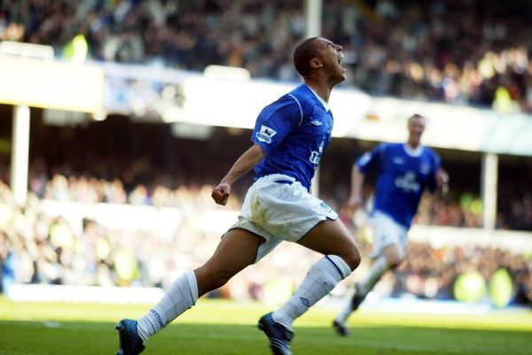 James Vaughan scores his first Everton goal