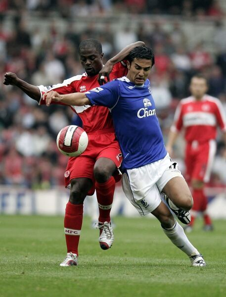 The Riverside Stadium -Middlesbrough's George Boateng and Everton's Tim Cahill in action