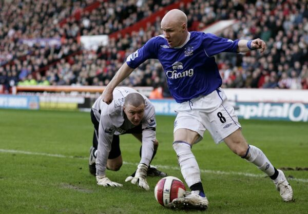 Sheffield United v Everton Andrew Johnson in action against Paddy Kenny