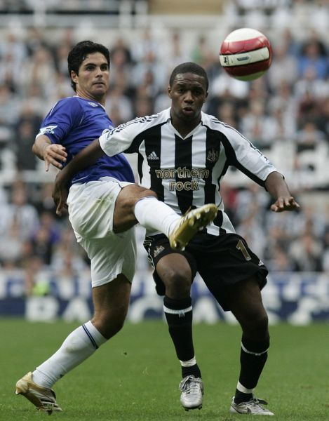 St James Park - 24/9/06 Everton's Arteta in action with Newcastle's Charles Nzogbia