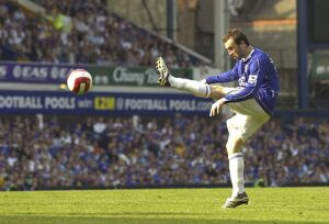 Everton v Charlton Athletic James McFadden shoots at goal
