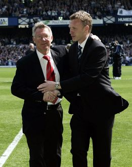 Everton v Manchester United Sir Alex Ferguson and David Moyes shake hands before the match
