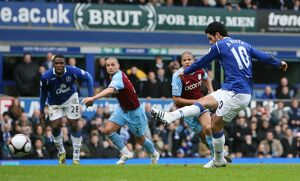 Football - Everton v Aston Villa - FA Cup Fifth Round