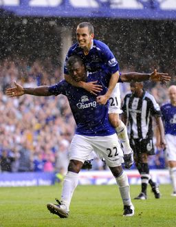 Football - Everton v Newcastle United Barclays Premier League - Goodison Park - 11/5/08 Everton's Yakubu celebrates scoring his sides third goal with team mate Leon Osman Mandatory Credit: Action Images / Keith Williams Livepic NO ONLINE/INTERNET