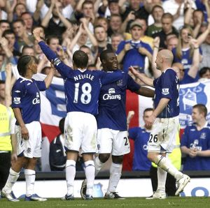 Football - Everton v Newcastle United Barclays Premier League - Goodison Park - 11/5/08 Everton's Yakubu (C) celebrates scoring his sides third goal with team mates Mandatory Credit: Action Images / Paul Burrows Livepic NO ONLINE/INTERNET USE WIT