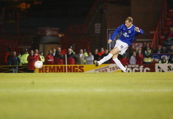 22 09 04 Job No 04092295 Carling Cup 2nd Round 04-05 Bristol City V Everton Ashton Gate Key Moments Duncan Ferguson Goal © Mooney Photo Limited and Everton Football Club