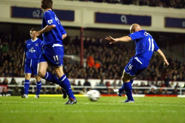 Arsenal 3 Everton 1. Everton ePhoto Previous Seasons: Season 04-05: Arsenal 3 Everton 1