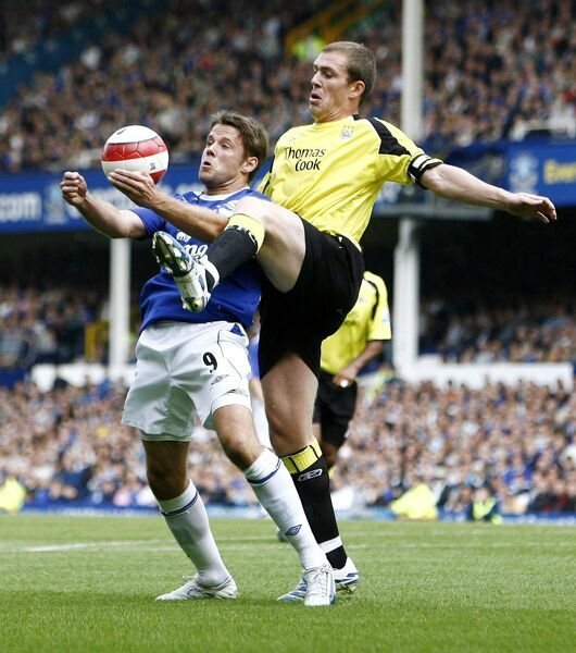 Everton v Manchester City, James Beattie in action against Man City's Richard Dunne