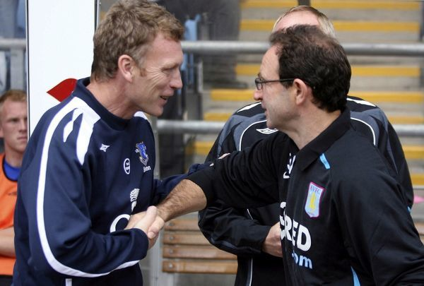 Football - Aston Villa v Everton Barclays Premier League - Villa Park - 23/9/07 Everton Manager David Moyes (L) with Aston Villa Manager Martin O'Neill during the match Mandatory Credit: Action Images / Lee Mills Livepic