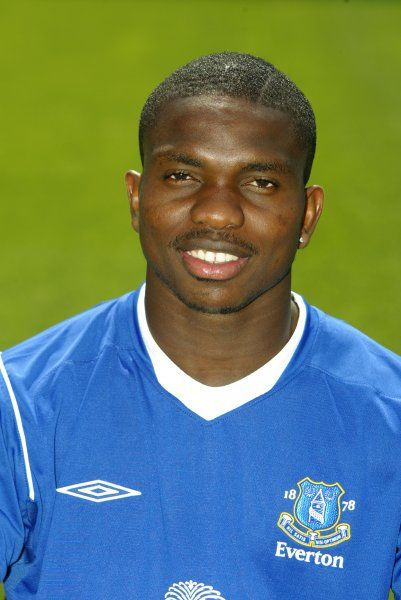 Joseph Yobo. 12 08 04 Job No 04081206 Everton Team Picture And Headshots