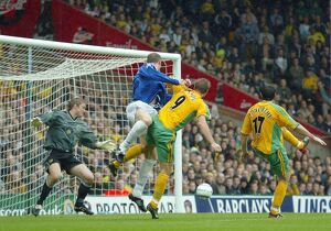 Duncan Ferguson heads home a late winner