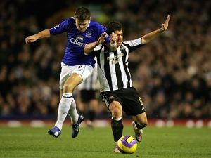 Everton v Newcastle United James Beattie and Newcastle's Emre