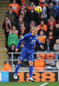 players staff/phil neville/soccer barclays premier league blackpool v