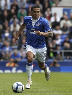 Soccer - Barclays Premier League - Everton v Fulham - Craven Cottage